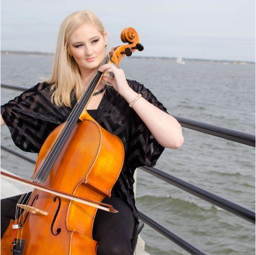 Caitlin T. Delaney, american cellist